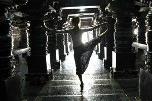 spinning pillars balance